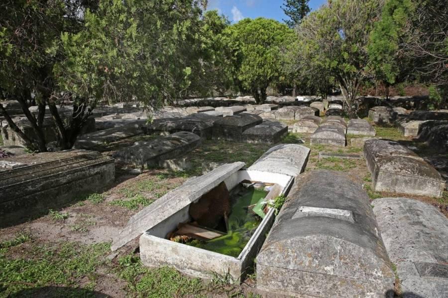 Cemetery Damage 08 EKM.jpg